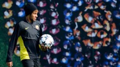 Siguen saliendo noticias en torno al fichaje de Neymar.