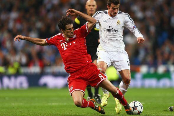 Javi Martínez (6): Con 0-3 en el marcador al intermedio, fue el recurso...