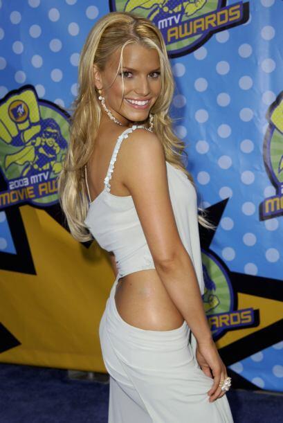 En mayo del mismo año, en los MTV Movie Awards, muy coqueta.