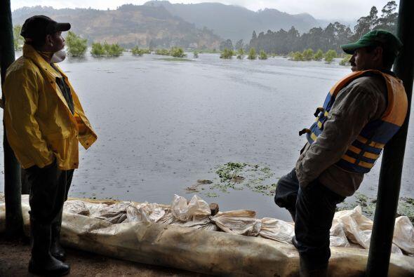 Las inundaciones, deslizamientos y vendavales no han dado un respiro a l...