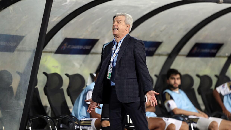 Aguirre actualmente dirige a Al-Wahda Football Club.