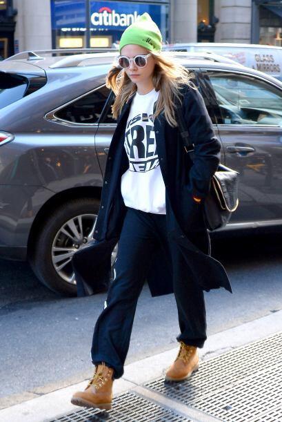 Otra joven súper talentosa que cautiva con sus 'outfits' día a día es Ca...