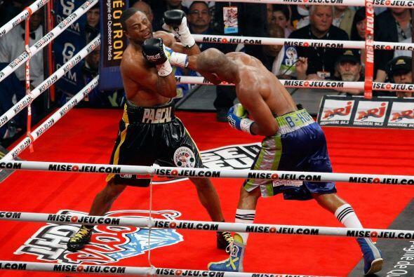 Bernard Hopkins se convirtió en el boxeador más viejo en g...