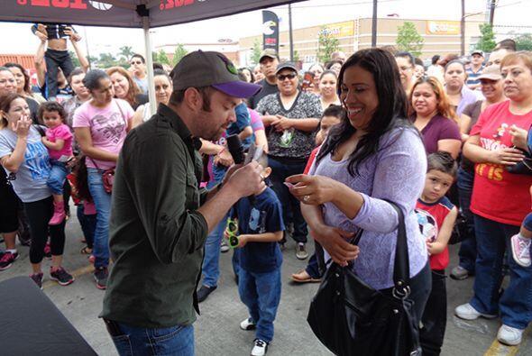 El viernes 22 de mayo, el Show de Raul Brindis se realizó desde un RV, p...