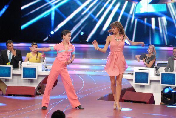 Max expuso su gran profesionalismo invitando a Raquel a bailar.
