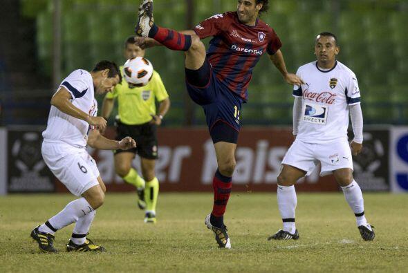 El Grupo lo conforman además del Santos, Colo Colo (Chile) , Depo...