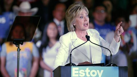 Hillary Clinton hace campaña para cautivar el voto hispano