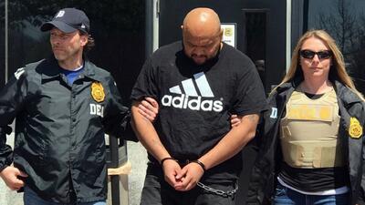Momento en el que el acusado es trasladado de Maryland a Long Island par...