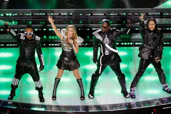 Hace un año, en el Super Bowl XLV los Black Eyed Peas hicieron bailar a...