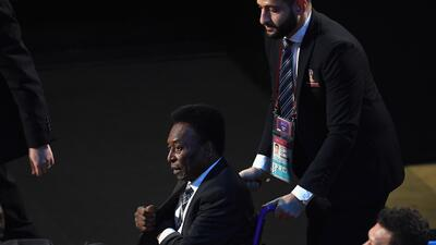 Desde el 2012, Pelé enfrenta diferentes problemas médicos...