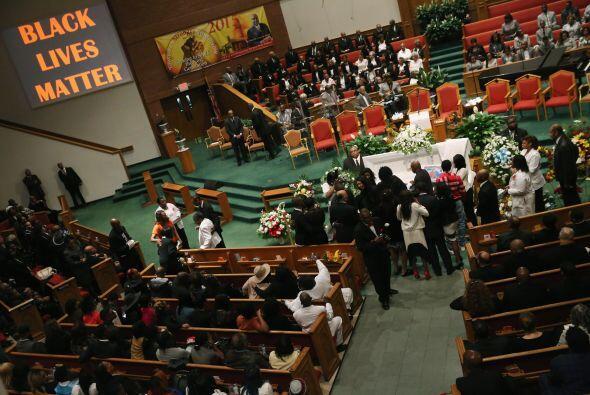 El funeral se celebró en la Nueva Iglesia Bautista Shiloh, con capacidad...