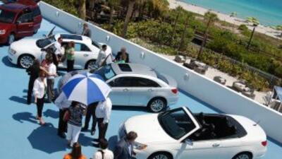 Miami Beach se recibió la línea 2011 de Chrysler, donde se destaron los...