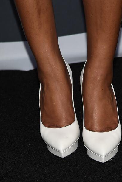 Por supuesto, puedes destacar tu tono de piel con un par de 'pin heels'...