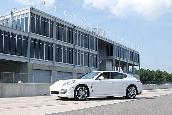 Desde su introducción en octubre de 2010 Porsche Panamera tuve una gran...