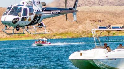 Encuentran a una de las personas desaparecidas en el choque de botes en el río Colorado, continúa la búsqueda de otras tres