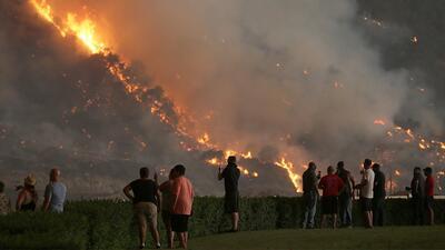 USCIS anuncia que ofrecerá ayuda a algunos inmigrantes afectados por los incendios en California
