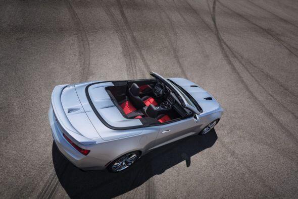 La gran mejora para esta nueva generación del convertible es la adición...