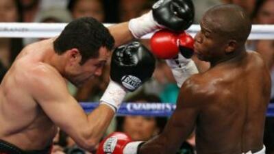 Mayweather y De la Hoya pelearon en mayo del 2007.