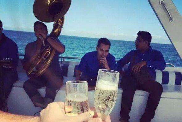 Su hijo Damaso Lopez Jr, es quien exhibe  lujos y excentricidades.   ...