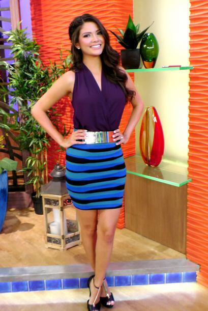 Julio 29, 2014: Aprende a combinar tu ropa. Púrpura, azul y el toque dor...