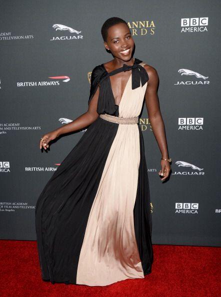 Se ha convertido en la nueva chica 'fashion' de Hollywoodsimple y senci...