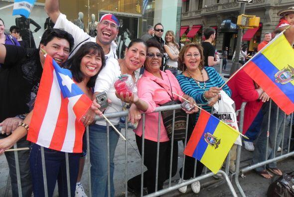 WADO 1280 en el desfile de la Hispanidad bfc19afebb9c4b39808d3f0622f1055...