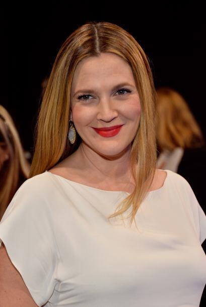 Drew Barrymore fue de las más saludadas en la noche.