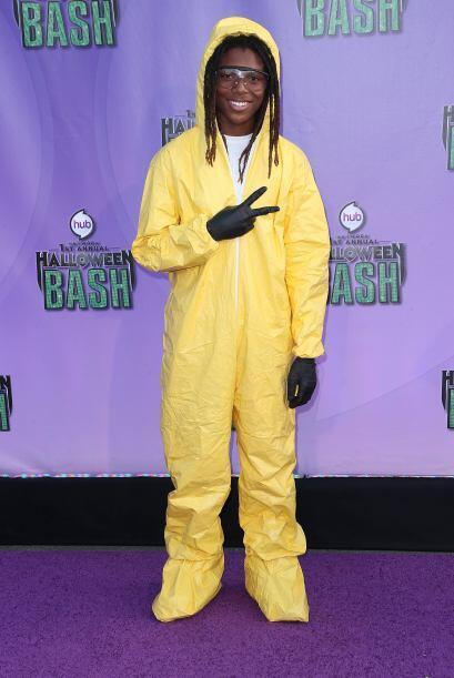 Si te fascinan el terror de las escenas del crimen, este traje de médico...