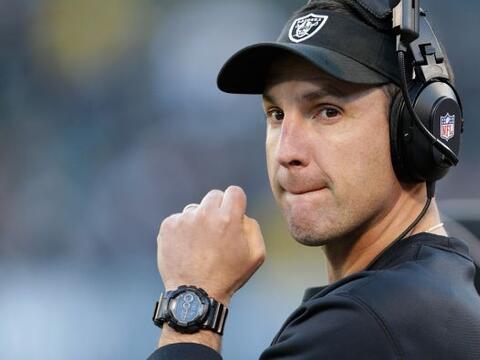 32.- Dennis Allen.- Oakland Raiders.