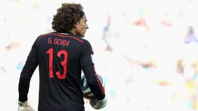 El portero mexicano es preferido por los fans del cuadro malagueño para...