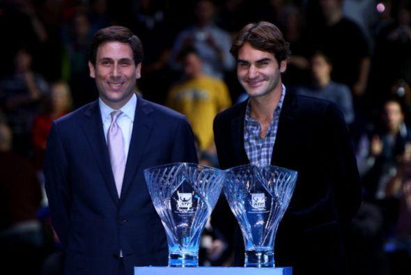 Roger Federer también se distingue por ser un gran ser humano por lo que...