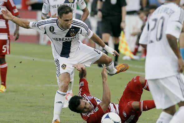 Sin Landon Donovan y David Beckham, el Galaxy sacó un apretado triunfo e...