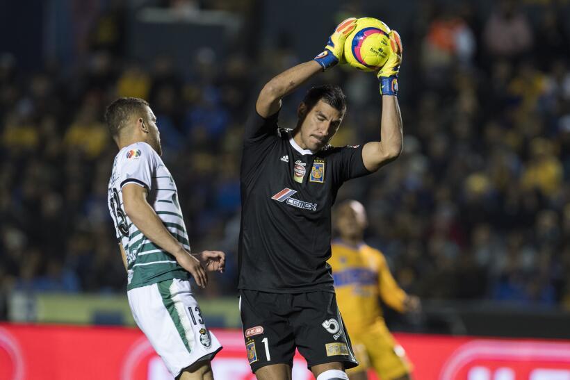 Tigres sumó ante Santos su primer triunfo del Clausura 2018 tras ganar 2...