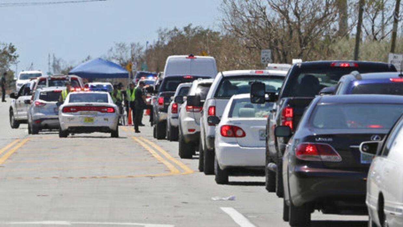Control de acceso a los cayos del sur de Florida en la localidad de Flor...