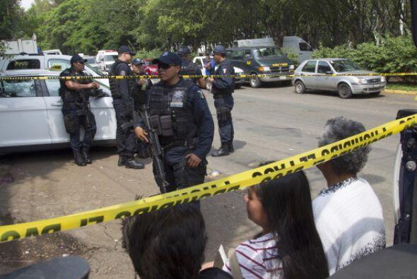 Una tercera víctima dijo que los golpeaban con una manguera entre las pi...