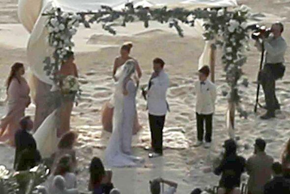 Además de la docena de invitados, los famosos filmaron la boda.