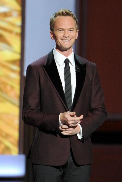 Neil hizo un genial trabajo como conductor de los Emmy. Mira aquí...