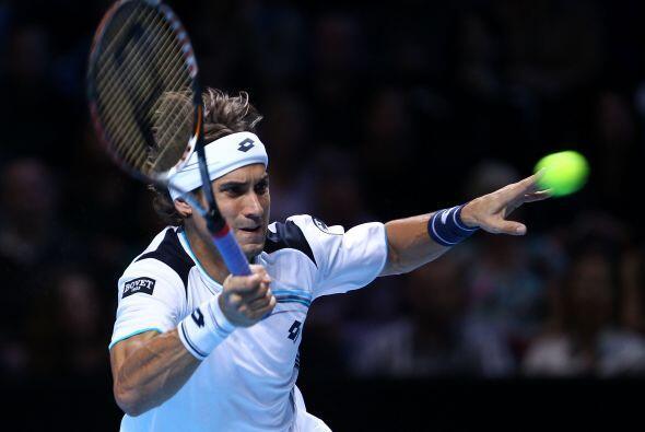 El español abrió el choque imponiendo su servicio ante un Federer que, i...