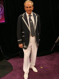 El juez gusta llevar sus pines en la solapa pero como esta chaqueta de E...