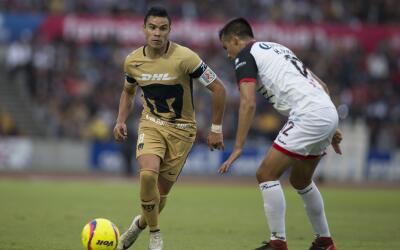 El delantero Pablo Barrera espera que Pumas haga valer la localía...