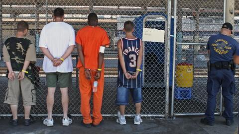 Las prisiones locales y estatales han ido en aumento.