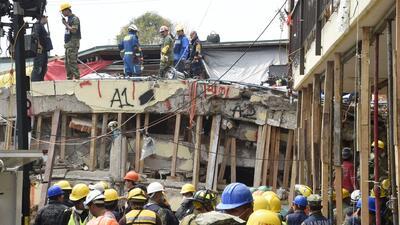 Las labores de rescate en la Escuela Enrique Rébsamen de México se detienen