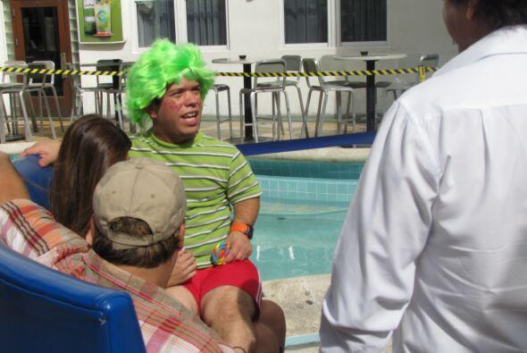 Juanito se caracterizó de niño travieso.