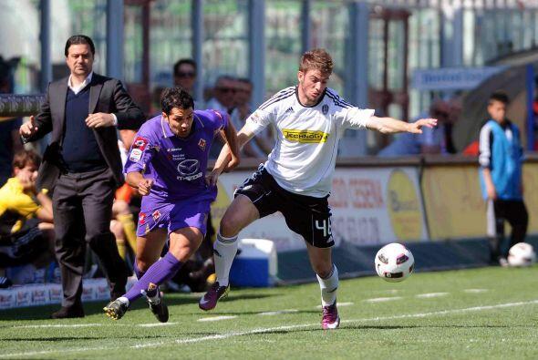La Fiorentina se metió al estadio del Cesena en parejo partido.