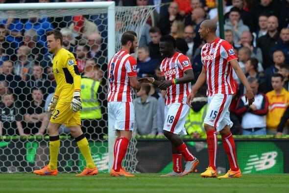 En otro escenario el Stoke City le dio una despedida dolorosa a Steven G...