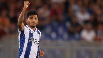 Con gran asistencia de 'Tecatito', Porto goléo en Copa de la Liga