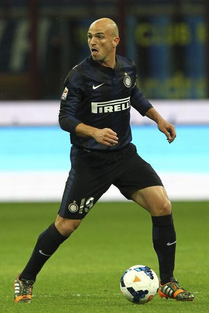 El experimentado argentino Esteban Cambiasso dejó al Inter de Mil...