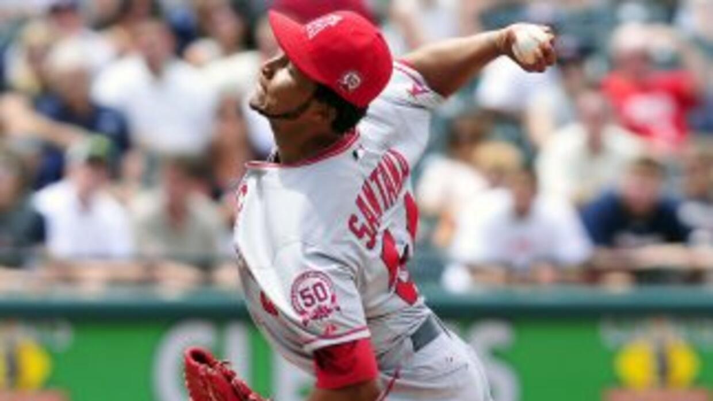 El dominicano Ervin Santana lanzó el primer juego sin hit de los Angelin...
