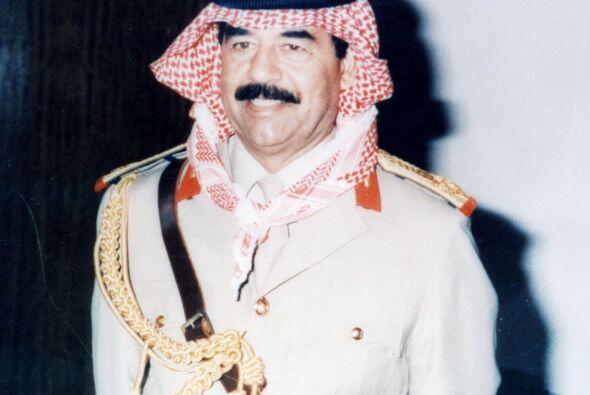 SADDAM HUSSEIN.- Un  político y militar iraquí que fue dic...