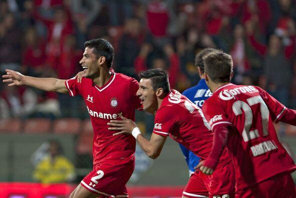 En la segunda mitad, Toluca hizo el tercero con una remate con la cabeza...